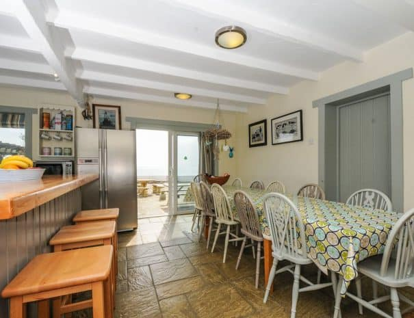 selsey-beach-house-dining-area-1