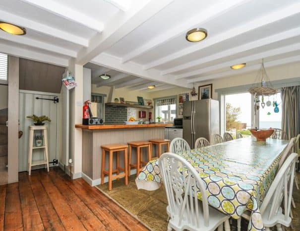 selsey-beach-house-dining-area-2