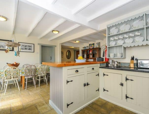 selsey-beach-house-kitchen-1