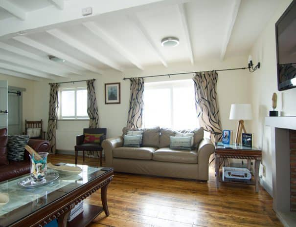 selsey-beach-house-living-room-2