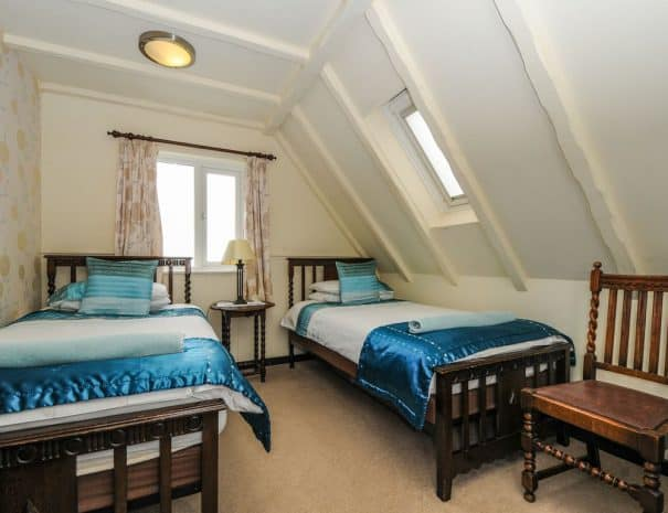 selsey-beach-house-upstairs-bedrooms-2