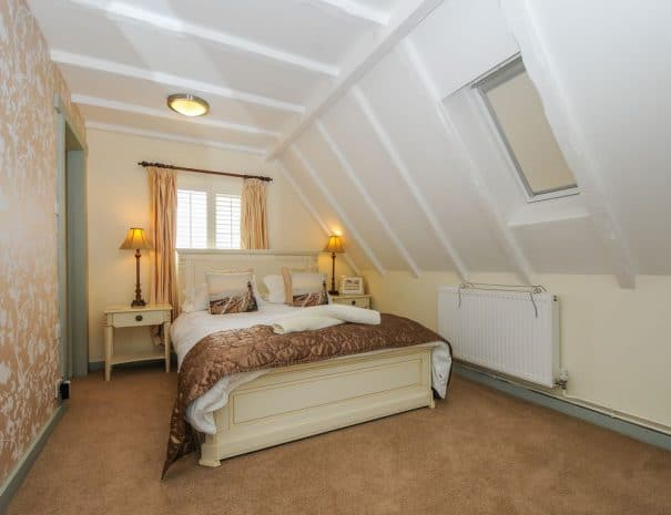 selsey-beach-house-upstairs-bedrooms-3