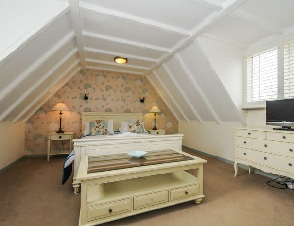 selsey-beach-house-upstairs-bedrooms-4