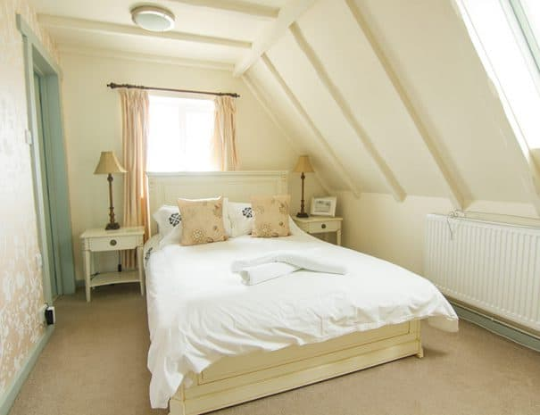 selsey-beach-house-upstairs-bedrooms-7