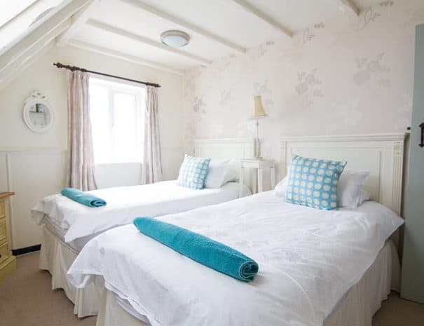 selsey-beach-house-upstairs-bedrooms-8