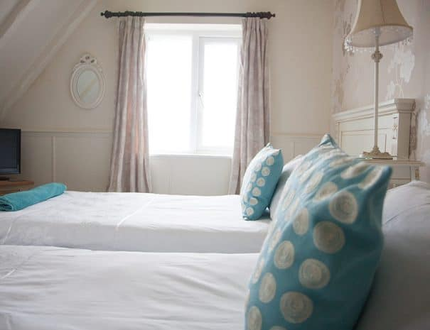 selsey-beach-house-upstairs-bedrooms-9
