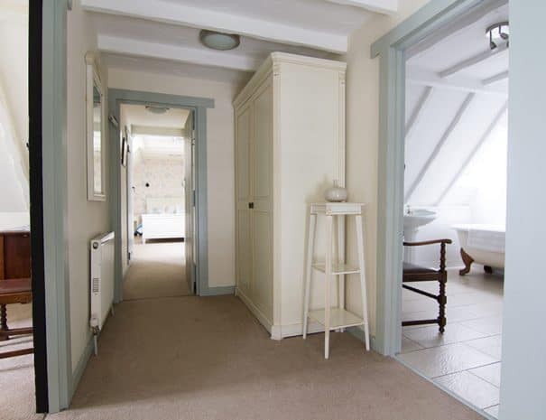 selsey-beach-house-upstairs-hallway